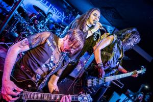 Dominic Veit, Melli Weinehl, Tina Reitberger // Art of Delusion @ Legends Lounge, Photo Credits www.apesmetal.com